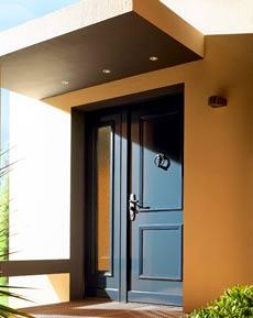 Puertas acorazadas para unifamiliares en madrid - Puertas de chalet ...