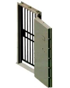 Puerta para recinto acorazado